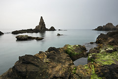 Frustation (DavidFrutos) Tags: costa seascape water rock agua rocks sony paisaje filter nd filters almera roca rocas frustracin filtro sigma1020mm filtros frustation neutraldensity arrecifedelassirenas sonydslr densidadneutra davidfrutos 700 singhraygalenrowellnd3ss leeholder pndecabodegata