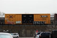Reken (EMENFUCKOS) Tags: chicago train bench rails freight benched reken