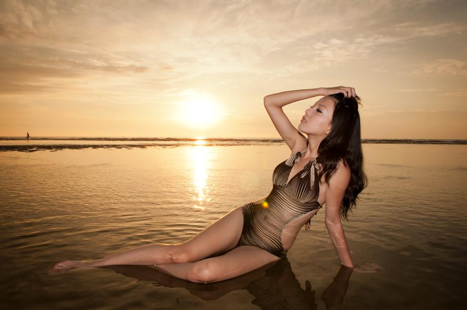 Lina 夏天 陽光 海水 沙灘 比基尼