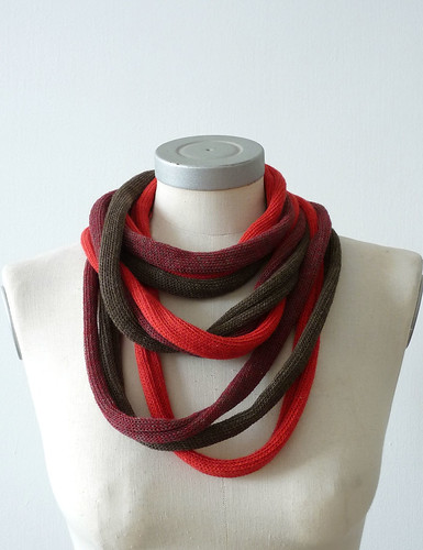 loop necklace -red ,mix red, army green mix