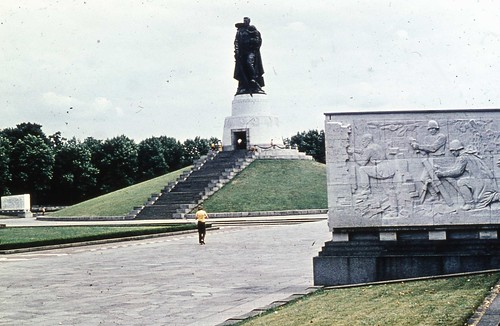 Treptower Park, East Berlin 1980 - Soviet War Memorial #2