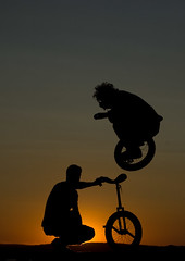 Unicycle (Tzupi) Tags: beach sport unicycle convention juggling gárdony jumpnicy