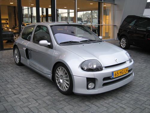 Renault Clio 3.0. Renault Clio 3.0 V6