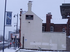 The Woodman - pub on Albert Street (ell brown) Tags: greatbritain winter england snow pub birmingham unitedkingdom eastside westmidlands publichouse slateroof albertst curzonst narrowwindows gradeiilisted thewoodman gradeiilistedbuilding jameslisterlea glazingbars widewindowswithbrickmullions gabletsintheroof narrowentrancebays brickandteracotta principalfacade roundarchedentrances segmentheadedwindows principalfacaderepeatsrhythm smallcornerpub