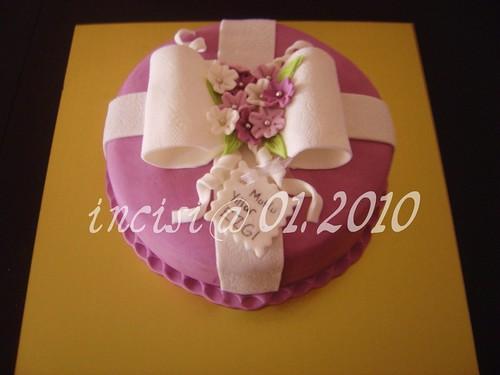 Mutlu yillar çiçekli pasta