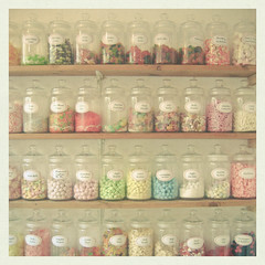 (_cassia_) Tags: rainbow candy display traditional multicoloured sweets shelves jars oldfashioned sweetshop lolasroom