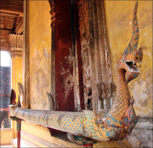 Gouttière rituelle en forme de Naga (Vat Sisaket, Vientiane)