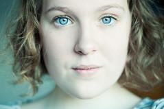 il neige (júlía ∆) Tags: morning blue light selfportrait color me hair eyes curls tshirt curly júlía