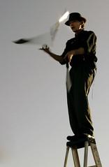 juggler (Hunter Toth) Tags: venice rick venicebeach juggling finale brooks huntertoth nickthejuggler