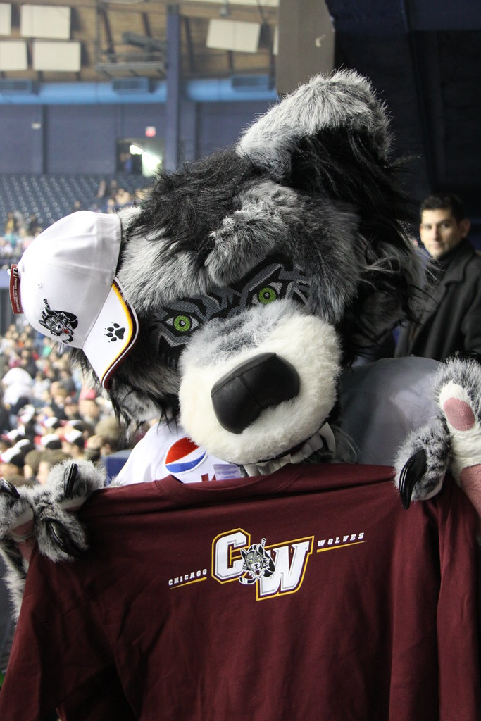 Chicago Wolves - mascot Skates