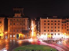 Roma_Notturno_361_4518 (Dubliner_900) Tags: olympus omdem5markii micro43 paolochiaromonte mzuikodigital45mm118 roma rome lazio notturno nightshot piazzavenezia scie lighttrail italia italy