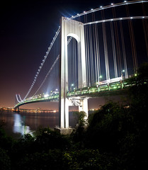the narrows (krugerlive) Tags: nyc newyorkcity longexposure nightphotography bridge brooklyn statenisland overlook narrows verrazano fortwadsworth