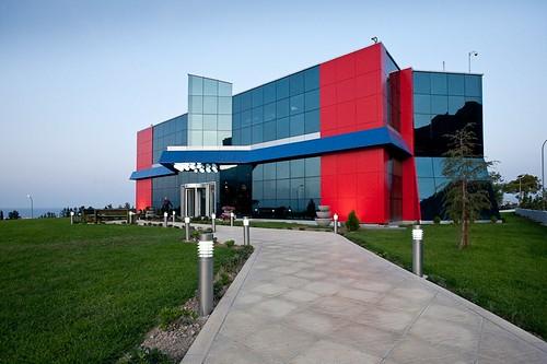 Семейный развлекательный центр в Гирне (Кирения)
