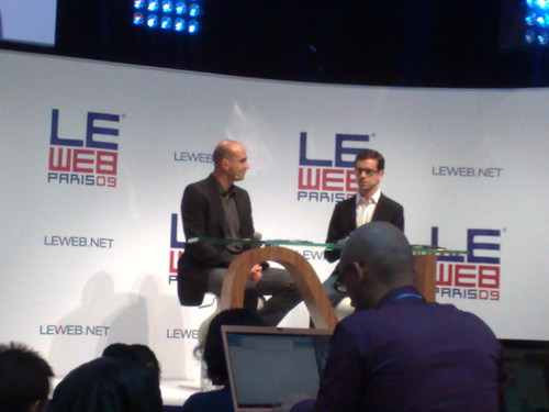 @jack dorsey inventer of twitter demos his new product Square #leweb09