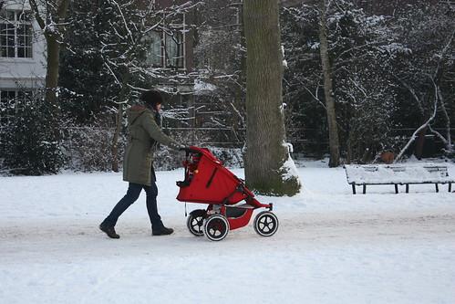 Carrinhod e bebê no Vondelpar em Amsterdam - Foto Daniel Duclos