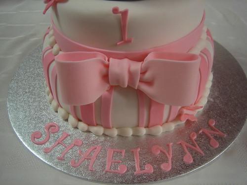 Fantastic 1St Birthday Princess Cake A Photo On Flickriver Funny Birthday Cards Online Kookostrdamsfinfo