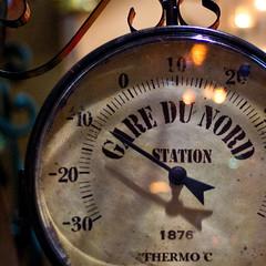 [201/365] gare du nord (Alessio Gigli) Tags: old cold detail station garedunord stazione antico freddo termometro 1876 alessio dettaglio gigli 365days
