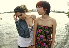 (maysa askar) Tags: ocean girls water floral beautiful relax lily florida sweet breath pixie ashes kristen tanktop yelow females breathe redhair jeanjacket brownhair somethingcorporate romper kristenashley lilymyers