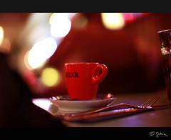 Cup of coffee (Gatria) Tags: 2 holland rot cup netherlands coffee canon 50mm lights licht rotterdam europa europe bokeh mark background knife nederland gabel messer fork l 12 ef besteck bazar cutlery saucer niederlande mkii hintergrund achtergrond untertasse kaffeetasse wittedewithstraat unschrfe