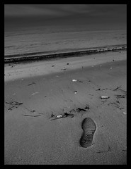 No way over. (Bloody Poppy) Tags: sea beach blackwhite sand feeling footstep inthesand eos500d