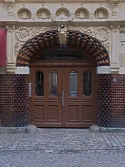 gteborg_3 (Torben*) Tags: door gteborg geotagged lumix town sweden schweden gothenburg panasonic stadt tr haga fz50 rawtherapee geo:lat=57698353 geo:lon=11959105