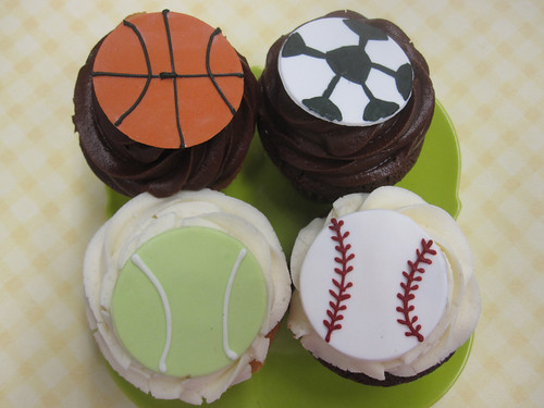 5769353151 ef1308f03d Father's Day Cupcakes