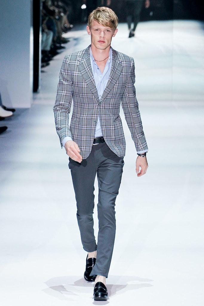 SS12 Milan Gucci021_Lenz von Johnston(VOGUEcom)