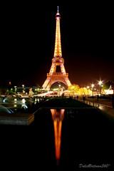 Dark night (DulichVietnam360) Tags: voyage travel light paris france reflection monument night canon french europe toureiffel reflexion nuit trocadro parisbynight towereiffel m trocaderosquare bng php thpeiffel placetrocadro cngtrnh nhsng dulichvietnam360 chuu trnthiha phnchiu paristhecityoflights mthnhphparis pariskinhnhsng bngnc