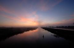 Rhyne-o (Bob Small photography.) Tags: uk england orange cloud sun mist west water misty clouds sunrise nikon britain somerset drain kings d200 levels somersetlevels rhyne sedgmoor langacrerhynelangacre kingssedgmoor bluddyfreezing