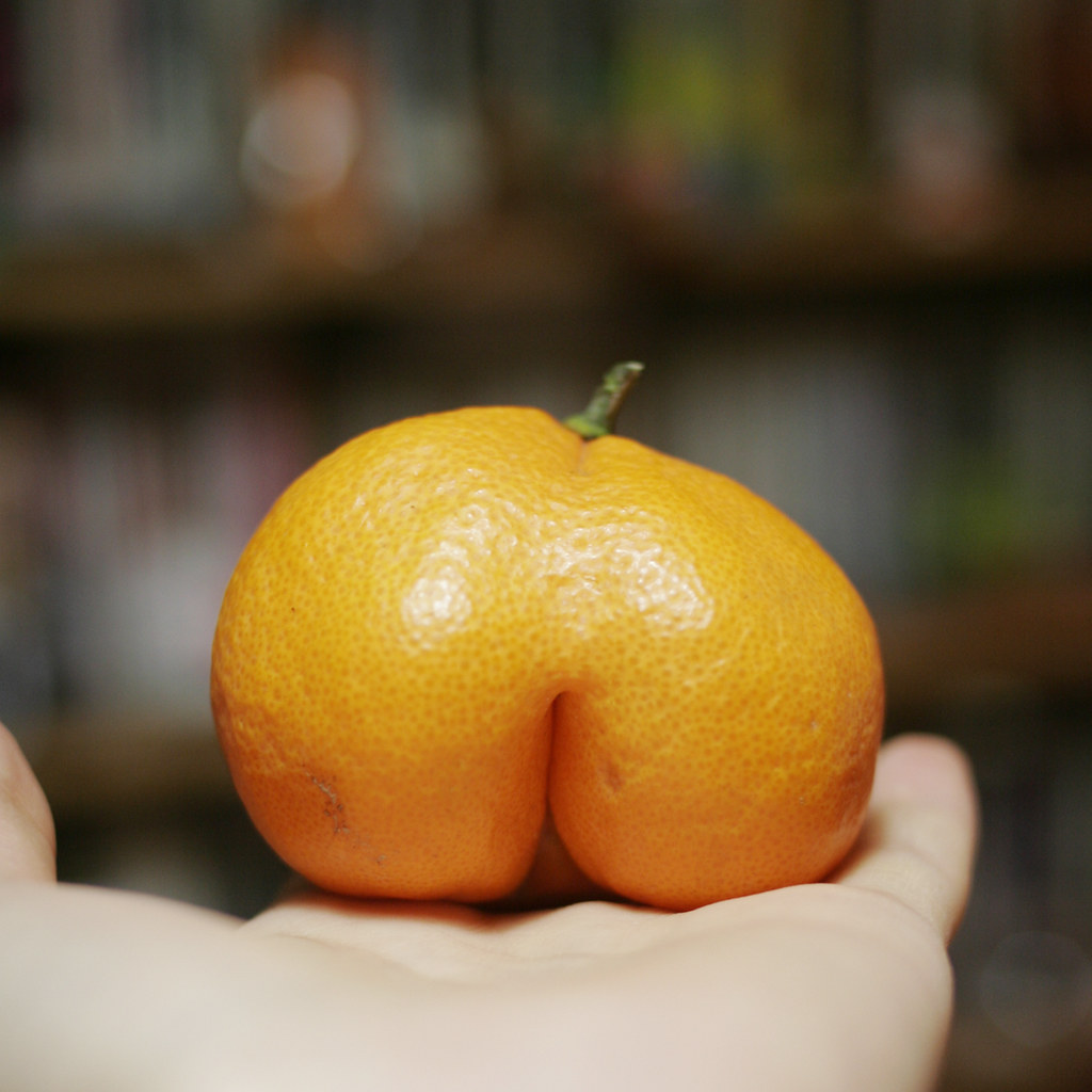 Buttocks Orange [Photo by Potzkun]