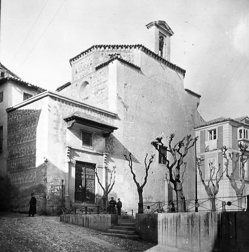 Oratorio de San Felipe Neri y Plaza de los Postes de Toledo a finales del siglo XIX. Fotografía de Alexander Lamont Henderson