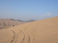 nice background (shine_on) Tags: desert offroad 4x4 dunes toyota jeddah suv fj landcruiser saudiarabia cruiser  fjcruiser       feshfesh    mastoora