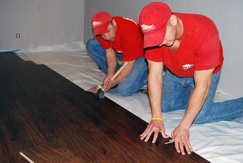 Laminate hardwood floor installation