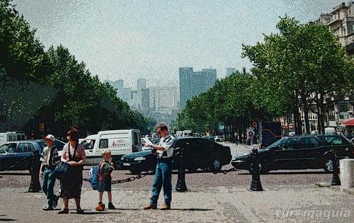 Arco do triunfo e Champs-Elysees