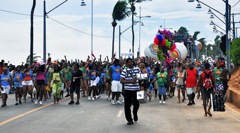 soteropoli.com fotos fotografia salvador bahia brasil verao carnaval trio eletrico axe 2010 by tunisio (1)