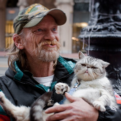 $2 portrait project: Daniel and Samantha (bhautik joshi) Tags: sanfrancisco california portrait cat downtown financialdistrict story panhandler himalayan 2010 sfist marketst february2010 2portraitproject beenshot
