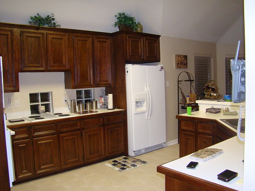 white kitchen appliances with dark cabinets help choosing granite with white appliances 28609