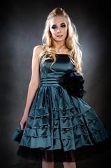 [フリー画像] [人物写真] [女性ポートレイト] [白人女性] [ドレス] [金髪/ブロンド]      [フリー素材]
