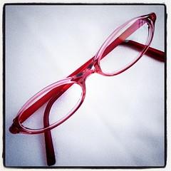 無印良品で新しく作った桃色眼鏡。夕焼雲をとんだから とーんだかーら~♪