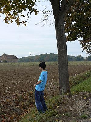 pipi dans les champs.jpg