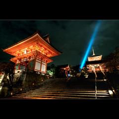(whc7294) Tags: temple kyoto     kiyomizudera unescoworldheritage    10faves  superhearts platinumheartaward nikond300 1424mmf28  piatiumheartawardhalloffame