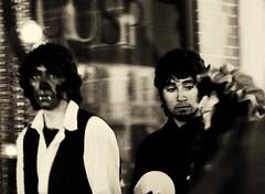love triangle (1-2-3 cheese) Tags: street costumes portrait blackandwhite bw halloween girl night washingtondc candid littleboy streetshot yêu d80 chuplen hóatrang hộihóatrang chuyện3người yêu3chiều