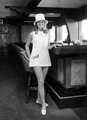 Retrospace: Mini Skirt Monday #200