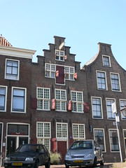 Huis / House, Herengracht (eszsara) Tags: house netherlands canal leiden nederland thenetherlands huis channel herengracht gracht hollandia leyden hz csatorna
