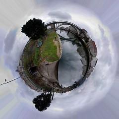 Planeta. (benitojuncal) Tags: rio canon puente 22 barca 10 ponte da planet pontevedra planeta poio lerez