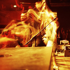 caught fire - che sudaka in concert (oscar_tramor) Tags: barcelona street musician music argentina tudo concert lomo lca xpro spain colombia cross rumba  ct slide transparency che 100 possible agfa konzert processed kolumbien ampere cumbia c41 schrei precisa argentinien patchanka sudaka ampre oscartramorphotography muffatwerke