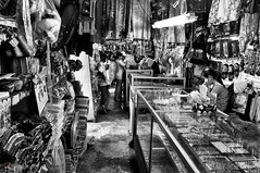 filipino market (1davidstella) Tags: bw nikon kotakinabalu nikkor handicrafts sabah d300 filipinomarket earthasia 1685mm artofimages 4tografie