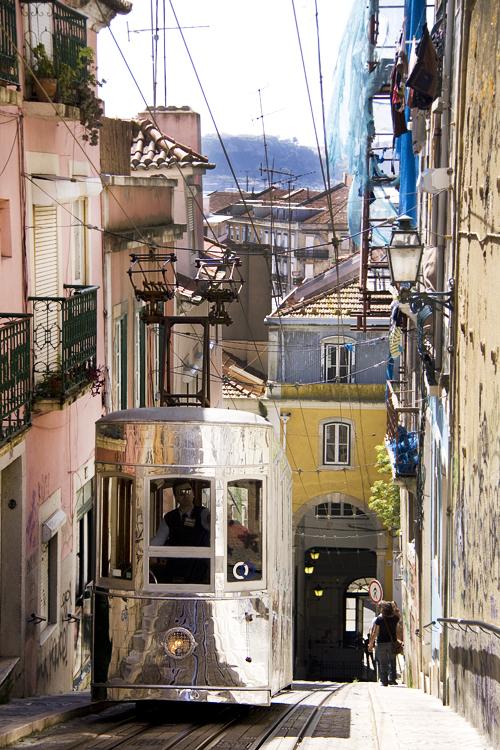 Lisbona tram metallo