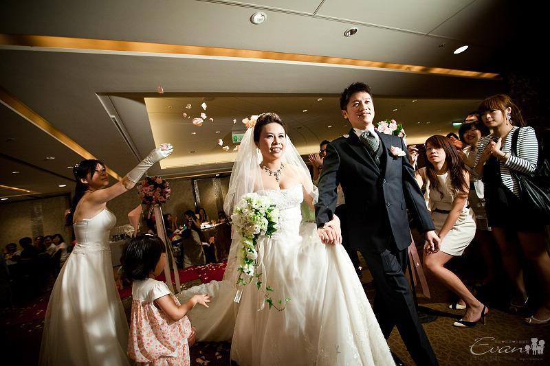 [婚禮紀錄]輝宏&欣怡婚禮攝影午宴_096