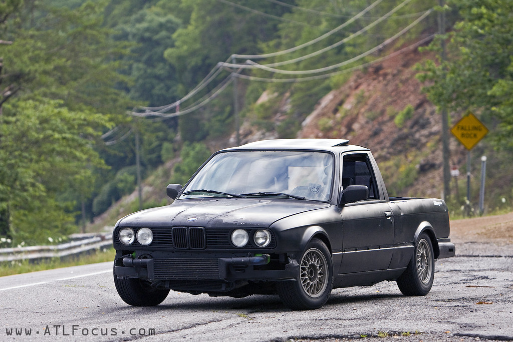 Bmws Assault The Dragon Us129 In A Pick Up Truck